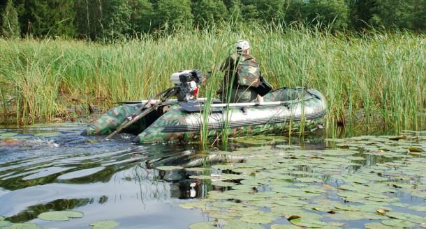 лодка охотника